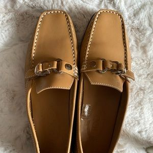 Tod's square toe loafers in tan leather